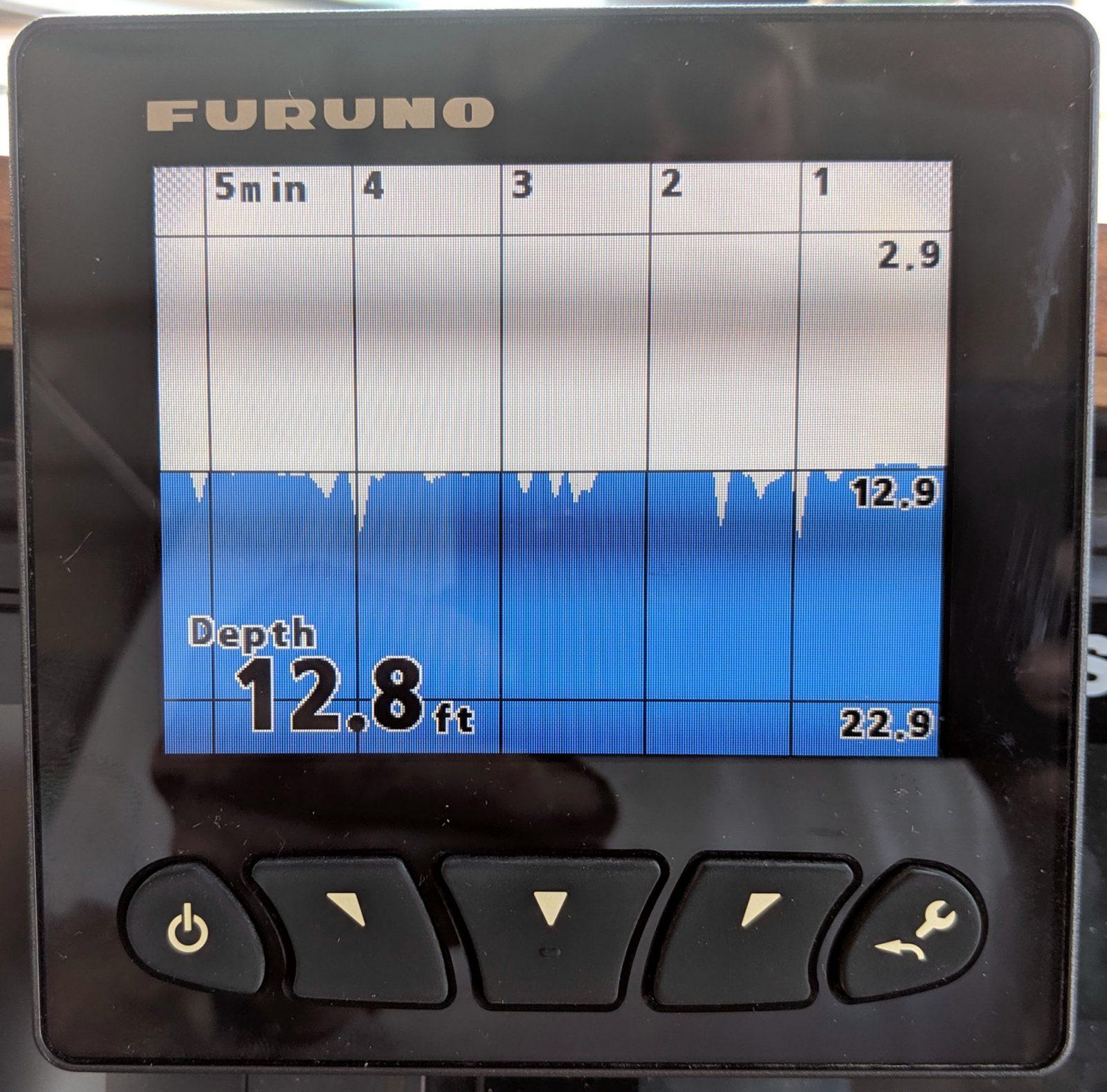 Furuno FI70 Depth graph set to center on 20-foot range