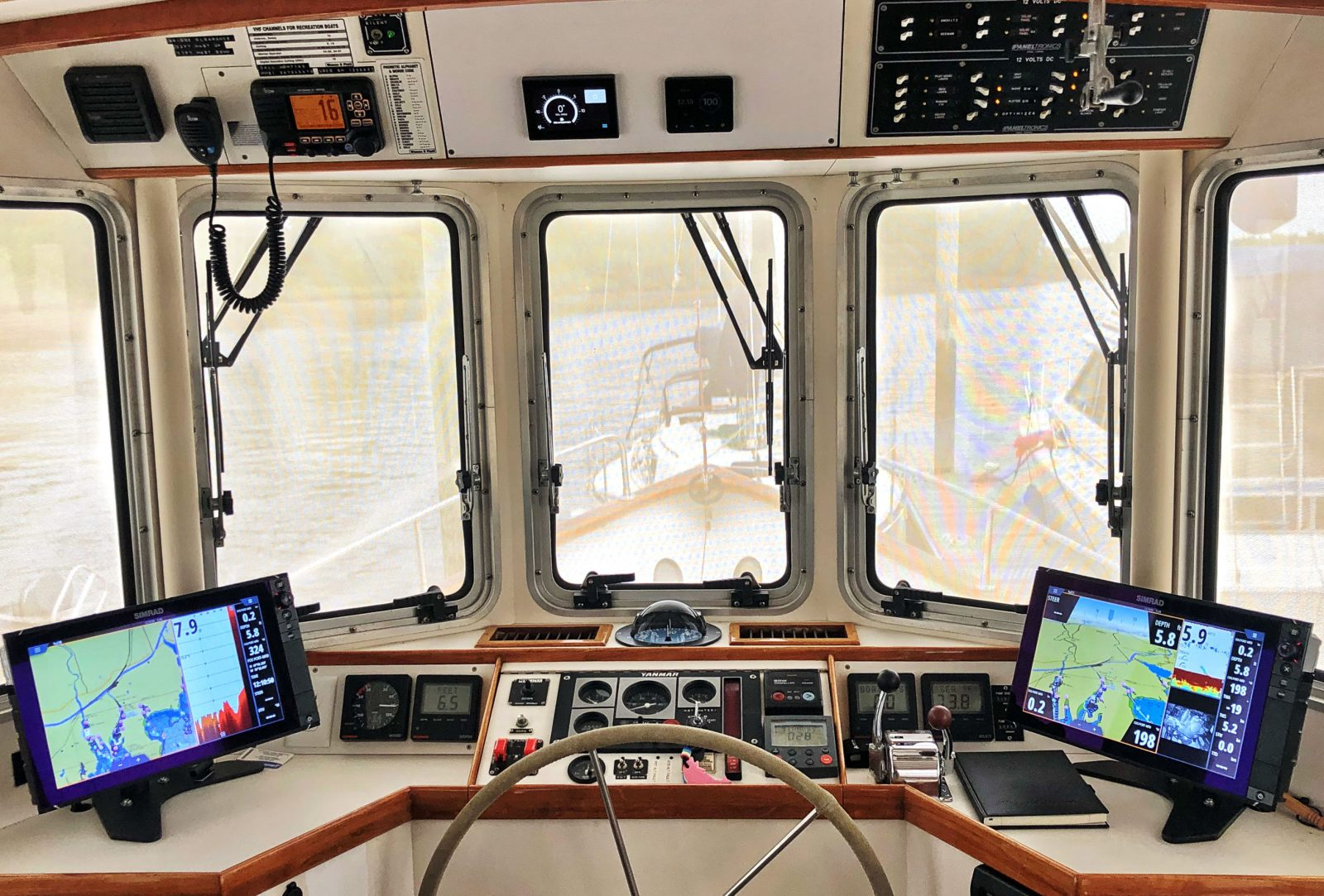 The pilothouse setup on Bliss after SeaKeeper 5 and electric power up grade